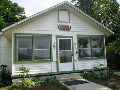 Hendersonville bungalow rental - The Charming Ebsen Summer Home
