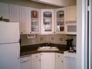 Mission Beach condo photo - Upgraded kitchen with granite, microwave & dishwasher!!