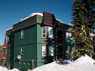 Silver Star Mountain house rental - Front view of the chalet, it gets a lot of sun.