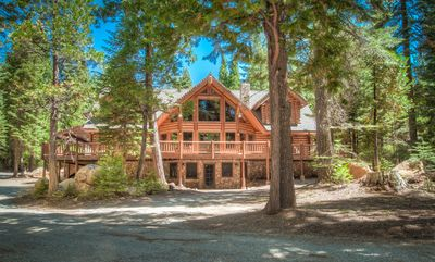 Mount Lassen lodge rental - The remarkable front view of the Lassen Lodge!