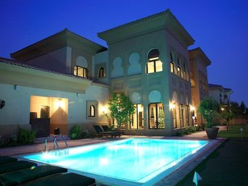 Palm Jumeirah villa rental - Private swimming pool at night