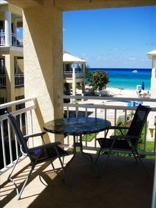 'Slice of Paradise' Beachfront Condo.... Get Your Fins on!