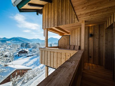 Traumsee- and mountain views in a quiet hillside: 5-star penthouse