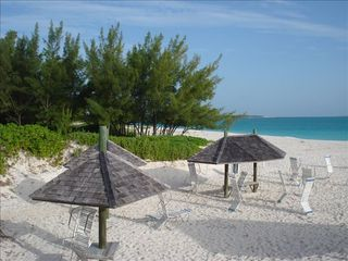 Treasure Cay villa photo - Even the beach chaise lounge chairs