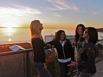 Watch a sunset with the girls