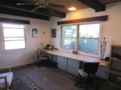 Fully functional office with WIFI-CABLE, full bathroom (3rd BA).
