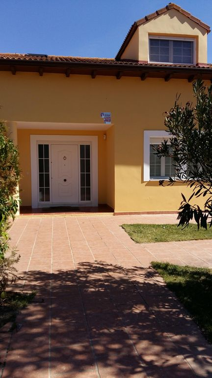 LARGE VILLA WITH POOL AND GARDEN. WINE TOURISM AND THERMAL TOURISM