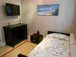 Bedroom #3 - twin bed, dresser, LCD TV - Laguna Beach house vacation rental photo
