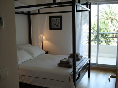 Cagnes-sur-Mer apartment rental - Double bedroom leading onto rear terrace