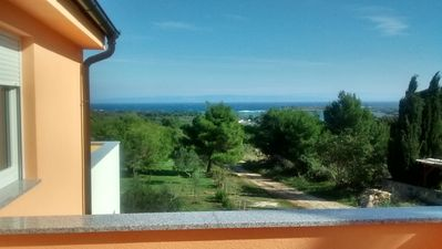Double house in Liznjan (Istria), peripheral location with sea views