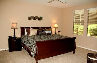 Kierland Scottsdale condo photo - Master Bedroom, large walk in closet, 40 inch LCD TV
