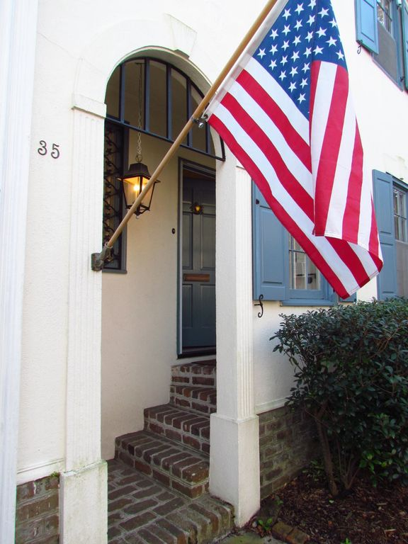 Rainbow Row, Waterfront Park, Historic 3BR/2.5 BA Townhouse 2017 Eclipse booking