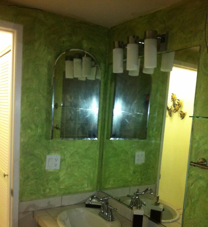 Updated newly painted bathroom with new fixtures