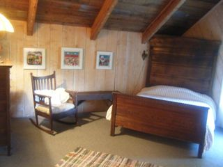 Blowing Rock house photo - Upstairs full size bedroom
