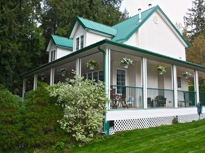 Welcome to Harrison Lake House, our 3BR + Loft home sleeps up to 12 people.