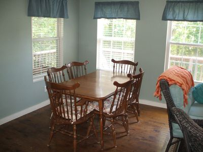Lake Barkley house rental - Dining Table that, seats 6.