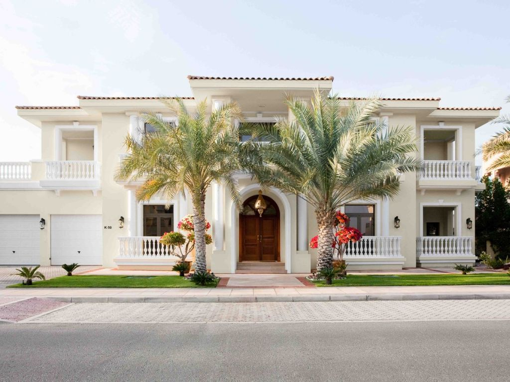 Villa am strand in palm jumeirah mieten 490501 - Decoratie villas ...