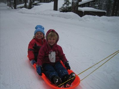 Sledding options next to the house & parks nearby!