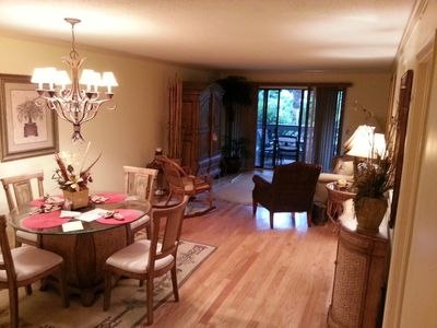 St. Simons Island condo rental - Living and Dinning Room