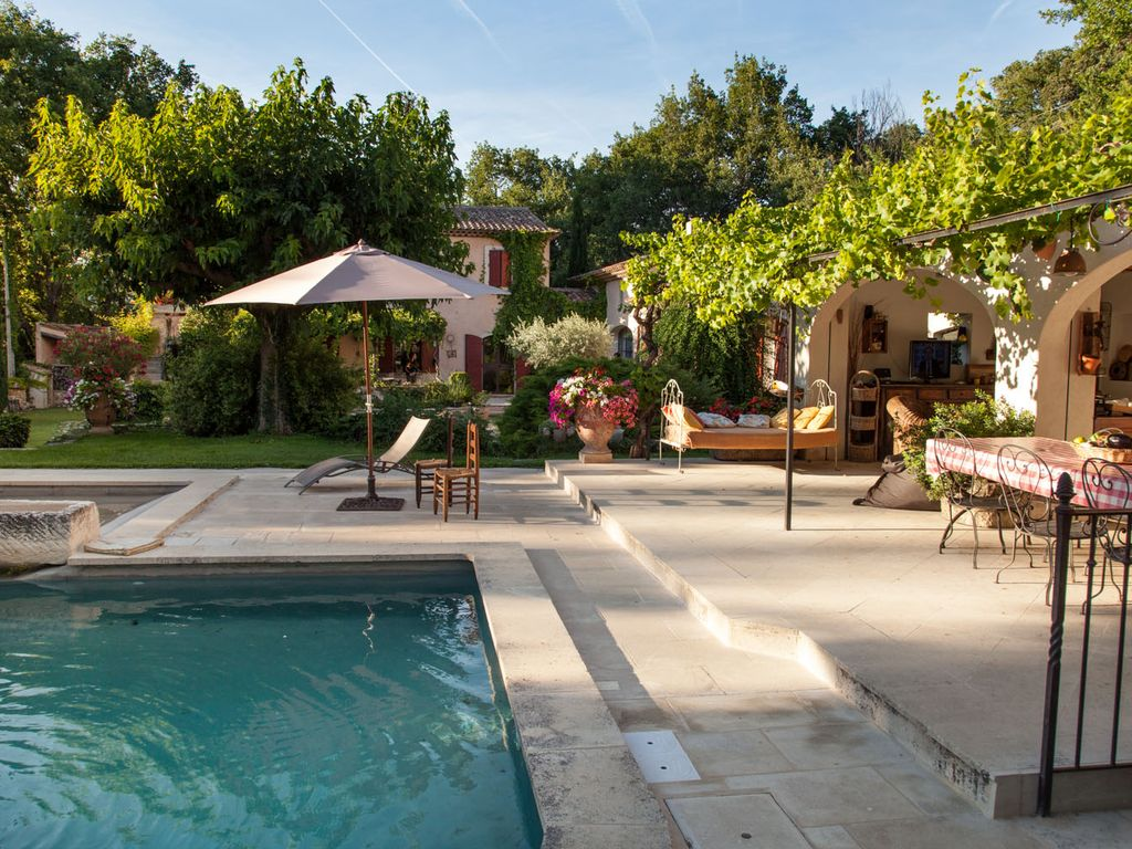 Accommodation near the beach, 350 square meters, , Lourmarin, Provence and Cote d