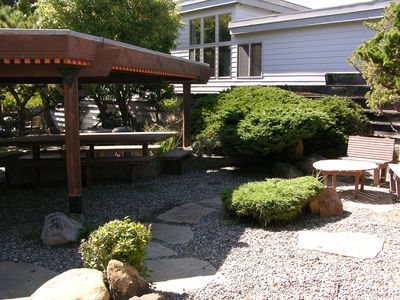 Inner courtyard has a picnic table & little areas to sit.