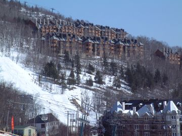 Condo on the mountain side (ski-in/ski-out)