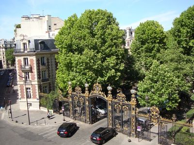 view on parc Monceau