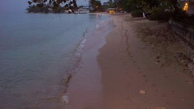 Footprints in the sand of Mullins bay