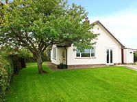 ROSE VIEW, pet friendly, with a garden in Sutton Mallet, Ref 30167