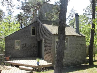 CUTE CONTEMPORARY!: 2 BR / 1 BA 1.1 to 2 miles in Wellfleet, Sleeps 4