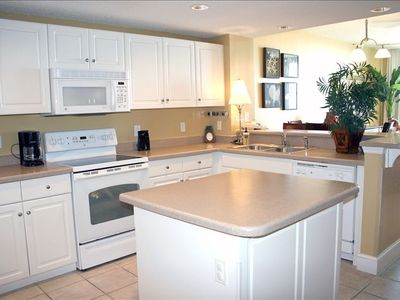 Large Kitchen with Island - Fully Equipped with all of the luxuries of home.