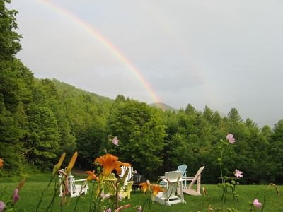 Killington farmhouse rental - Relaxing in Summer on Lawn/Fire pit for cool night