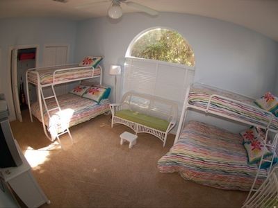 Kids Bunk Room - Great area for kids to hang out and relax or watch TV