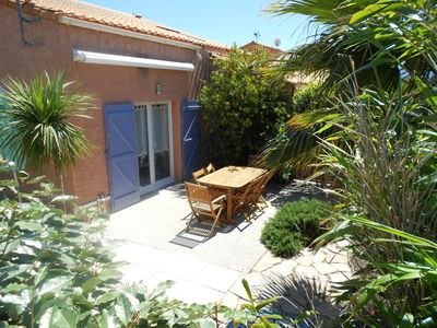 Villa 4-6 pers. closed in residence with pool and tennis 100 m from the sea