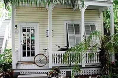 Bone Island Vacation Rentals, Tropical Hideaway