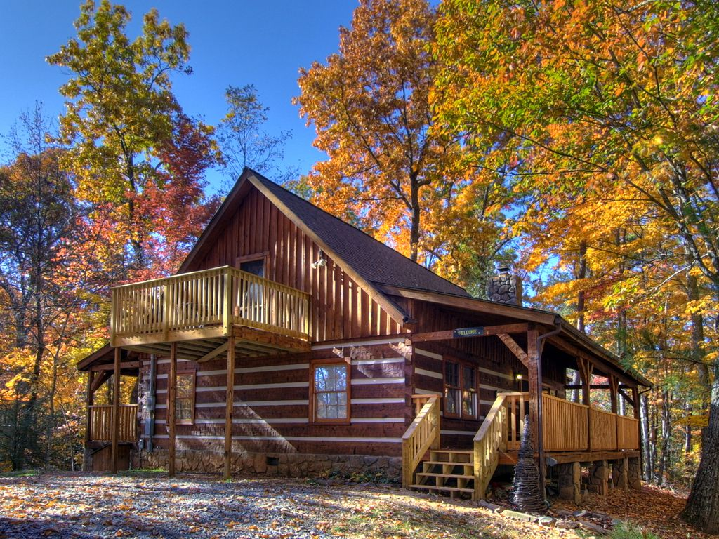 Private Beautifully Decorated Log Cabin Vrbo