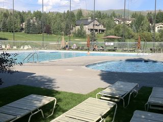 Elkhorn pool and hot tub- free for our guests to enjoy