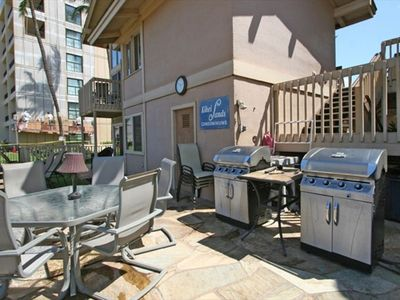 Kihei townhome rental - Ocean front BBQ's for your enjoyment