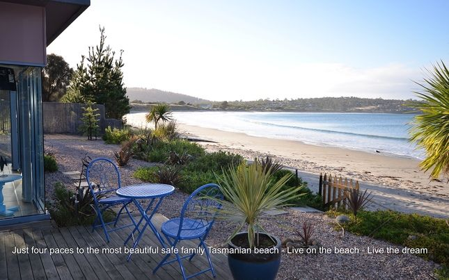 Frogmouth Cottage - Live on The Beach