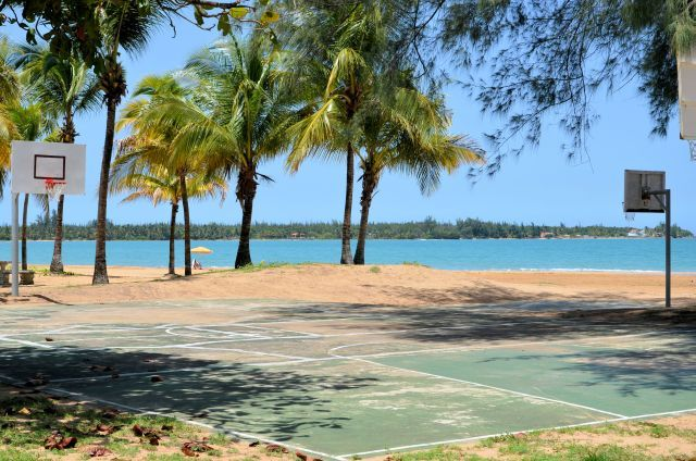 Playas del Yunque, Rio Grande seaside basketball court