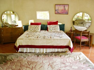 Austin villa rental - Master bed