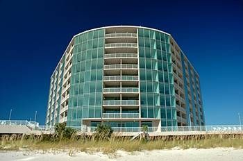 Sea Breeze Condominium - DIRECTLY on the Beach