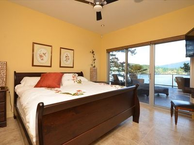 Gibsons hotel rental - Hummingbird Suite