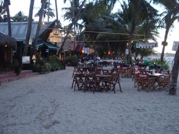 Beach restaurants just a few minutes walk