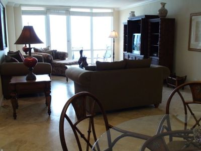 Miami Beach condo rental - Havana Condo (2 Masters/2 Bathrooms/ 1600 sq ft/ Sleeps 6-8): Living room