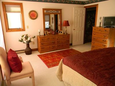 Quechee townhome rental - Furnishings in the Master Bedroom