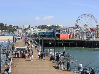World Famous Santa Monica Pier and Boardwalk just 20 minutes away!
