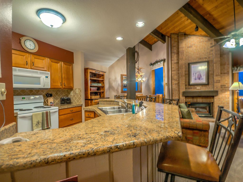 Beautiful Vaulted Ceilings With Open