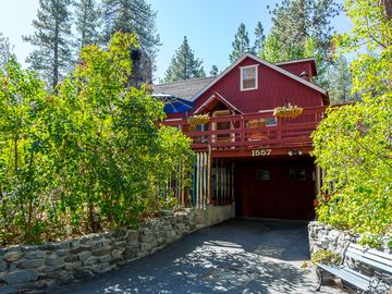 Wrightwood cabin rental - Spring is such a beautiful time of year in WW...lilac bushes surround the cabin!