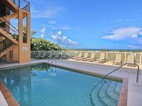 Stay at the Gorgeous Bradenton Beach Club overlooking with an amazing view of the Gulf of Mexico!
